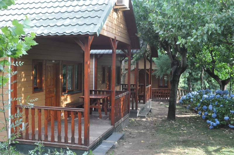 Exterior Euro Bungalow con Buhardilla | Camping Jaranda