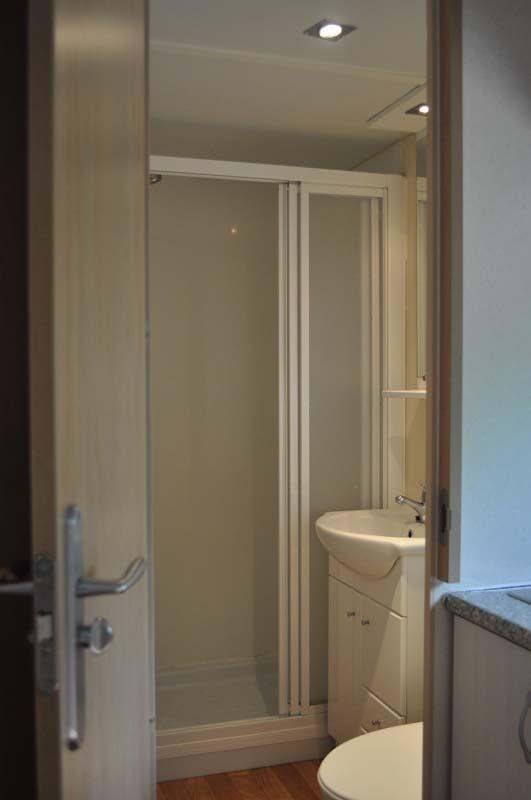 Baño Mobilhome 2 dormitorios